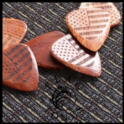 Flag Tones - Stars & Stripes Saffron - 1 Pick | Timber Tones